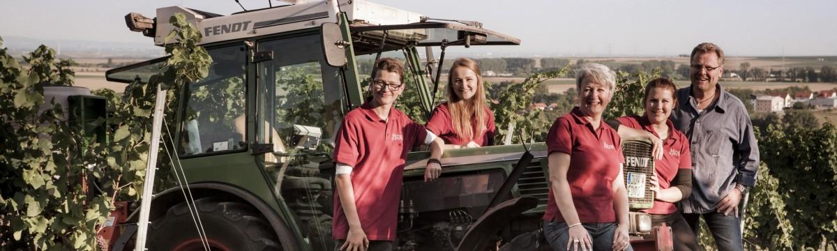 Weingut Müsel Familie Traktor